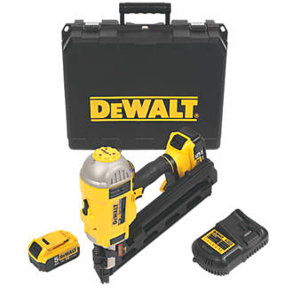dewalt dcn692p2 gb 90mm 18v 50ah li ion first fix brushless cordless framing nailer cordless nail guns screwfixcom