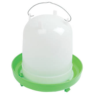 Stockshop Wolseley Plastic Poultry Drinker Green & White 8Ltr
