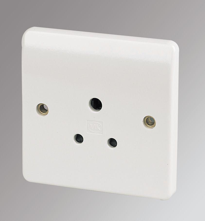 MK 5A 1-Gang Round Pin Unswitched Plug Socket White