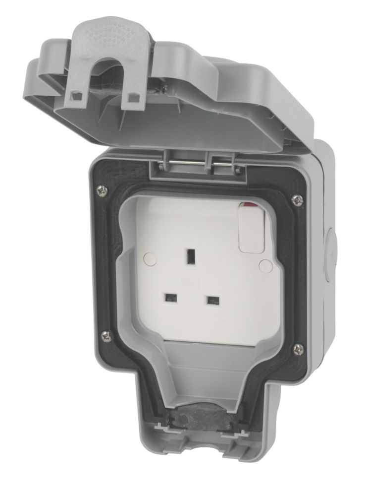 MK Masterseal Plus 13A 1 Gang Switched Socket