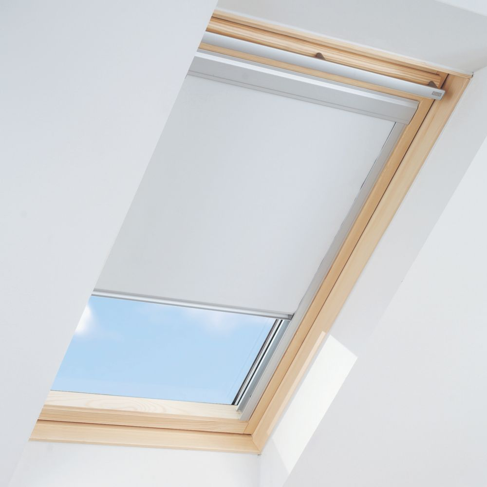 Roof Window Black-Out Blind White 550 x 980mm