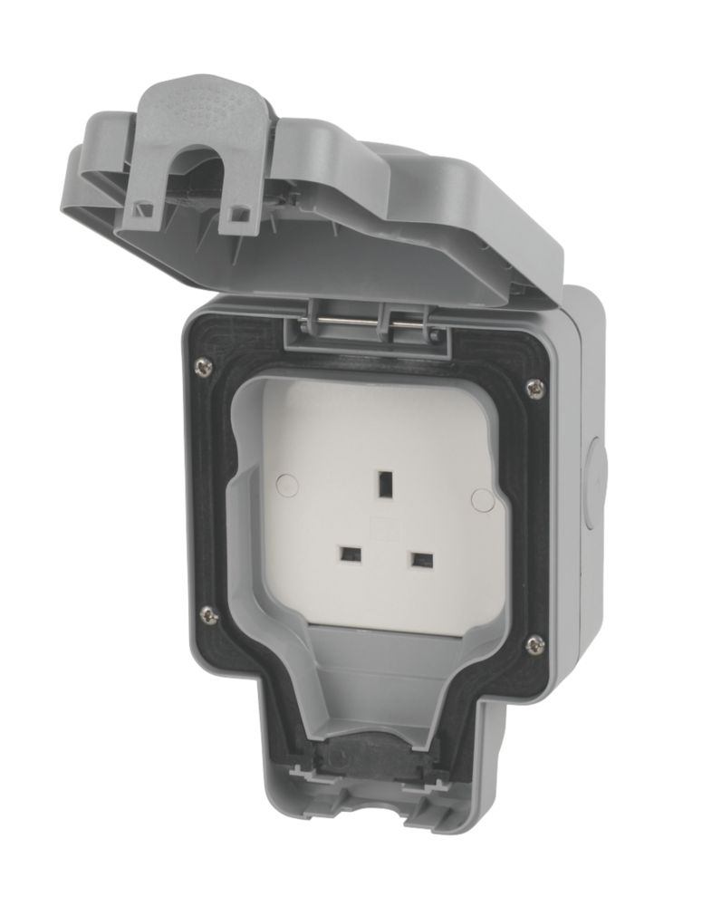 MK Masterseal Plus 13A 1 Gang Unswitched Socket