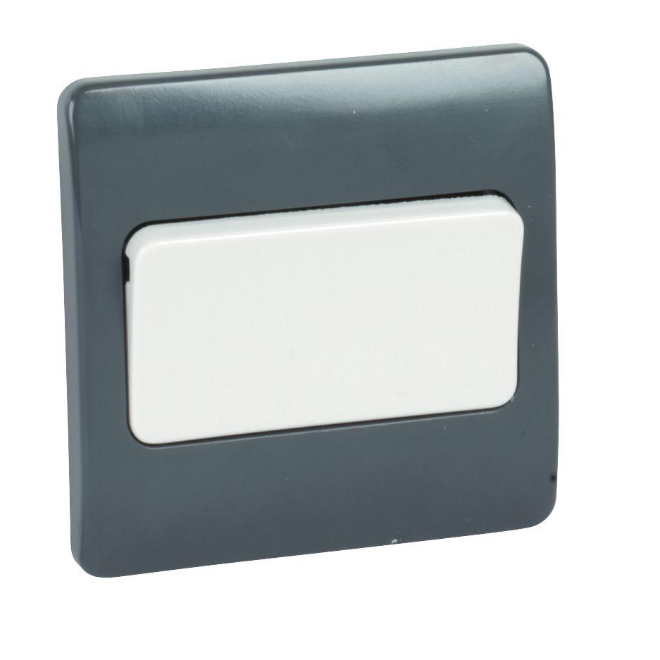 MK Logic Plus 10A SP Intermediate Switch with Wide Rocker Graphite