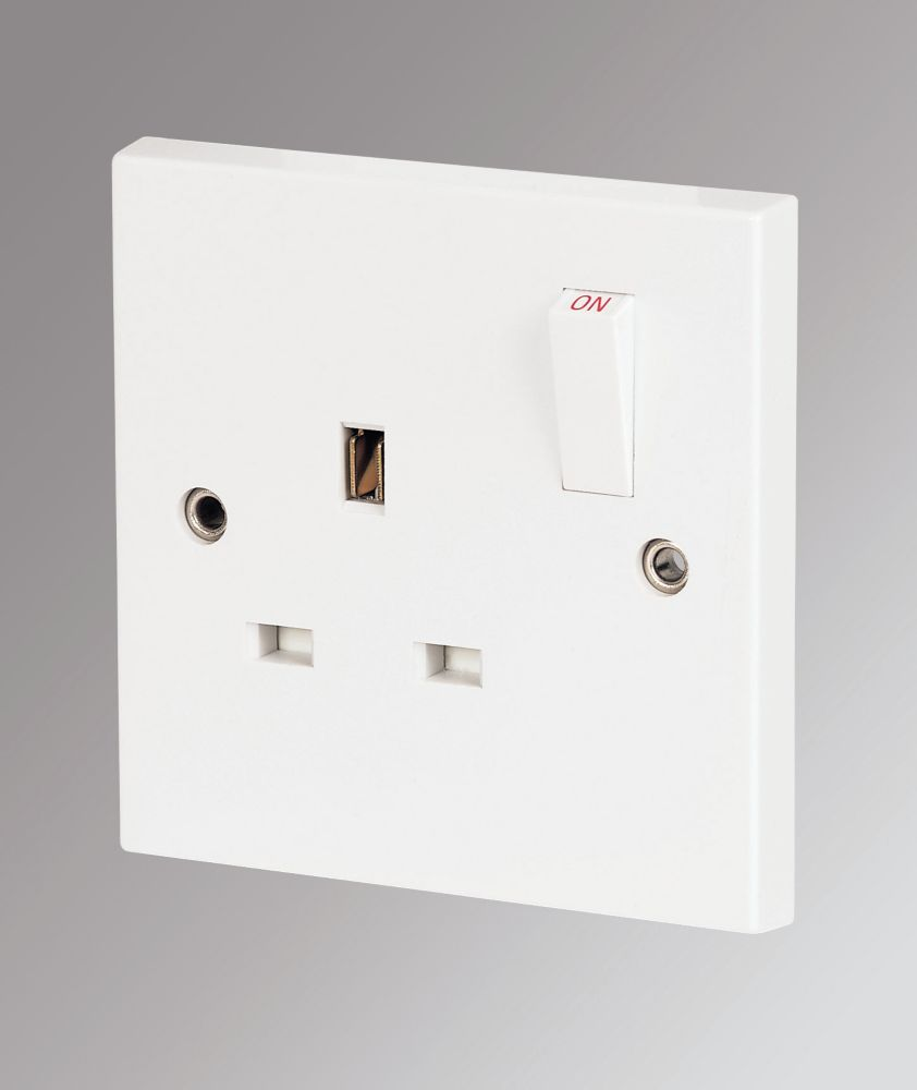 Marbo 13A 1-Gang SP Switched Plug Socket White