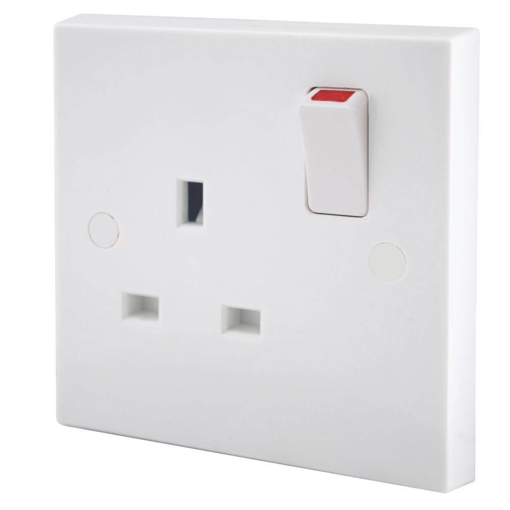 British General 13A 1-Gang Single Pole Switched Plug Socket White