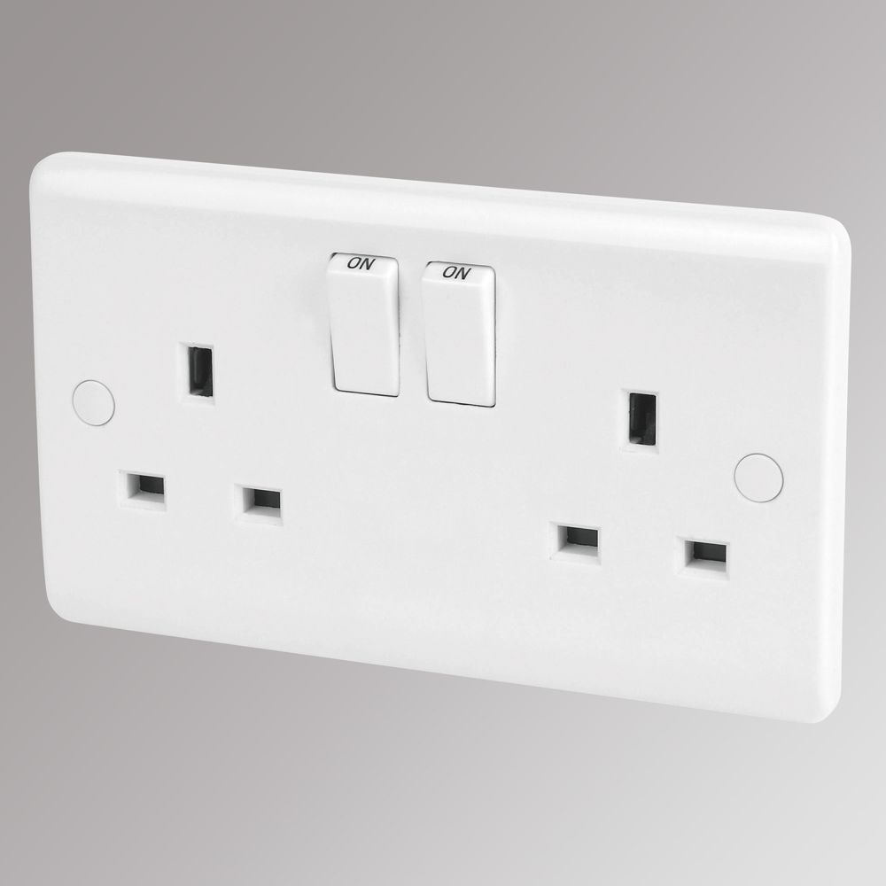 LAP 13A 2-Gang DP Switched Plug Socket White