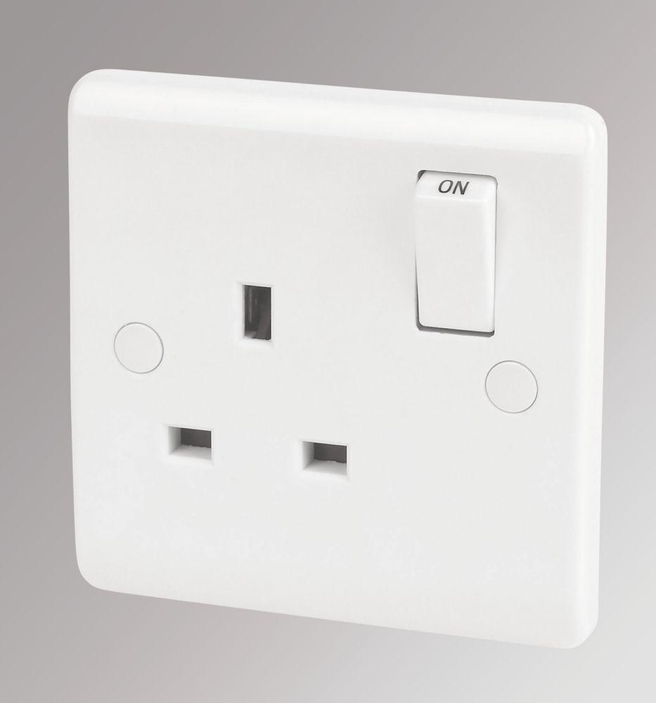 LAP 13A 1-Gang DP Switched Plug Socket White