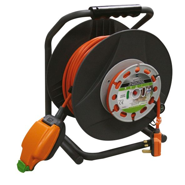 Masterplug 'Reverse' Cable Reel 1G 240V 30m