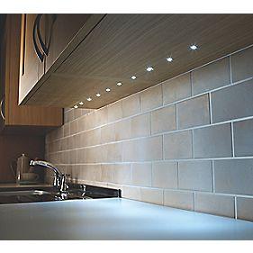 Lap flynn recessed led kit white 15mm - Led skirting board lighting ...
