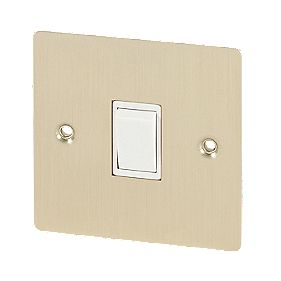 Volex 10A 1-Gang 2-Way Switch Wht Ins Brushed Brass Flt Plt