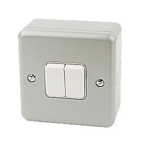 MK 2-Gang 2-Way 10AX Light Switch Metal-Clad