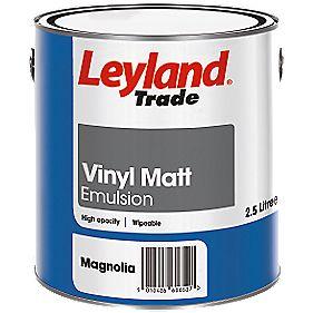 Leyland Trade Vinyl Matt Emulsion Paint Magnolia 2.5Ltr