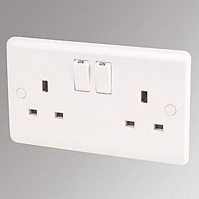 LAP 13A 2-Gang SP Switched Plug Socket White