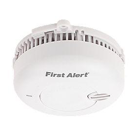 First Alert SA700BUK Optical Smoke Alarm