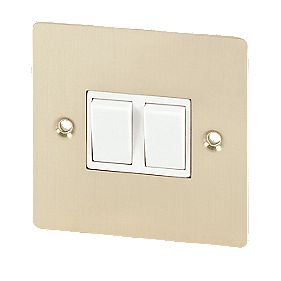 Volex 10A 2-Gang 2-Way Switch Wht Ins Brushed Brass Flt Plt
