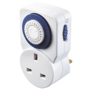 Masterplug Plug-In Mechanical Daily 24 Hour Timer 240V