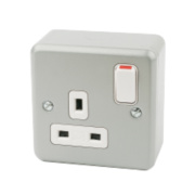 MK 13A 1-Gang DP Switched Plug Socket Metal-Clad