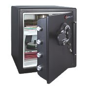 Sentry Safe 33.6Ltr Dual Water-Resistant Combi Fire Safe 415 x 491 x 453mm