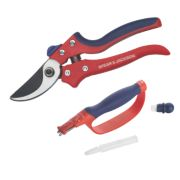 Spear & Jackson Bypass Secateur & Blade Sharpener