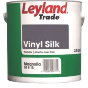 Leyland Trade Vinyl Paint Magnolia 2.5Ltr
