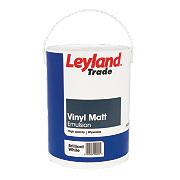Leyland Trade Vinyl Matt Emulsion Paint Brilliant White 5Ltr