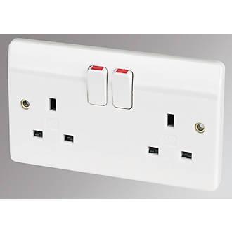 MK 13A 2 Gang DP Switched Plug Socket White